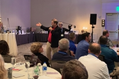 Auctioneer-Jason-Alpert-doing-his-thing